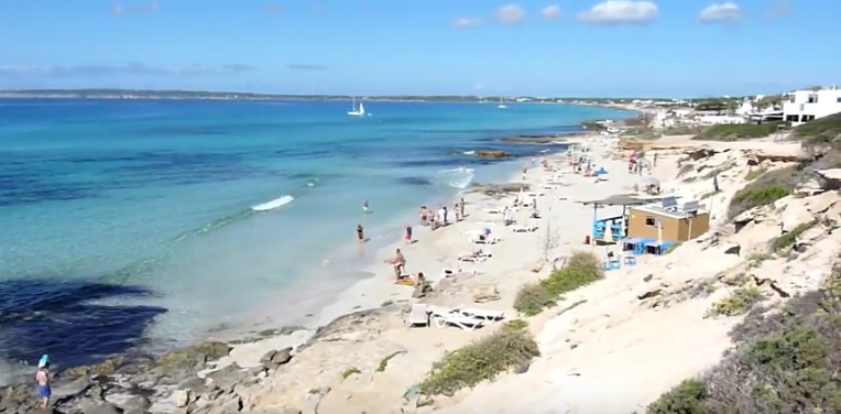es copinar beach formentera